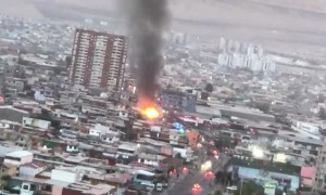 Devastating fire captured on camera in Chilean city of Iquique