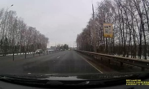 Dashcam Catching Car Accident Due to Brake Failure