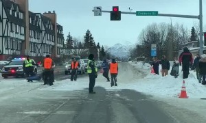 Traffic Stops for Dog Sled Race