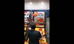 Arcade Basketball Record Beaten Using Two Hands