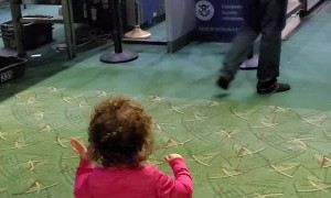 TSA Worker Becomes Toddler's New Best Friend