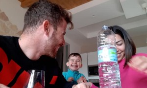 Kiddo Loves Water Magic Trick