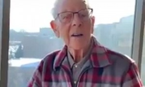 Elderly gentleman delivers heartwarming motivational speech