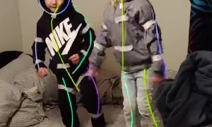 Glowsticks Turn Kids into Dancing Stick Figures