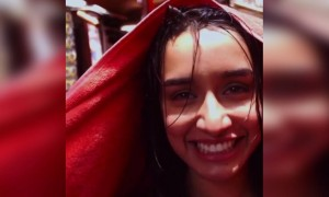 What is with Shraddha Kapoor and rain?