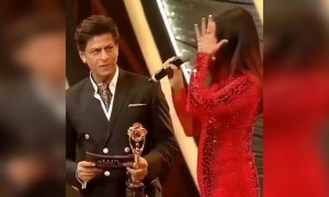 Funny banter between these amazing bollywood stars