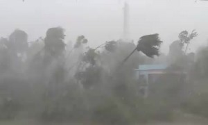 Cyclone Amphan crashes through Purba Medinipur, Nandigram with intense fury