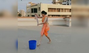 Adah Sharma's new mopping technique!