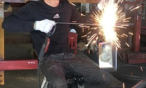 Mechanic Gives a Sparking Performance