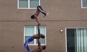 Acrobatic balancing performance will blow your mind!