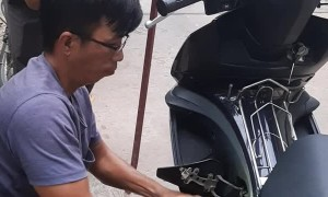 Removing a Snake from a Moped
