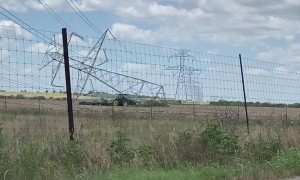 Power Line Downed in Texas Neighborhood