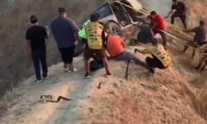 Insane Jeep Recovery on Razor Ridge