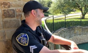Officers rescue trapped beaver using makeshift ramp