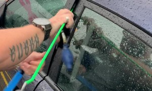 Professional Unlocks Car Without a Key in Seconds