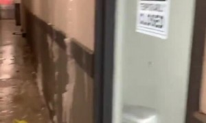 Water pipe bursts in Dallas apartment building during snowstorm