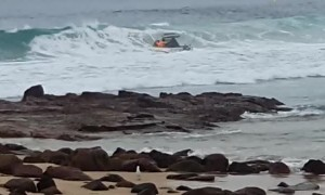 Boat Capsized by Big Wave in Huge Swell