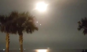 Jaw-dropping footage of SpaceX launch from Cape Canaveral