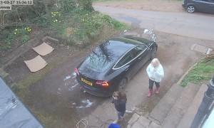 Mum Falls Down Manhole
