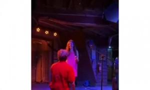 Surprise proposal during Taylor Swift karaoke performance