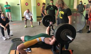 Bench Press Without Chalk Leads to Unexpected Slip