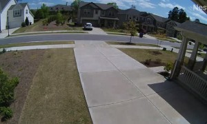 Package Thief Pretends to Be Homeowner