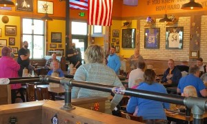 BBQ Restaurant Stops Daily to Celebrate National Anthem