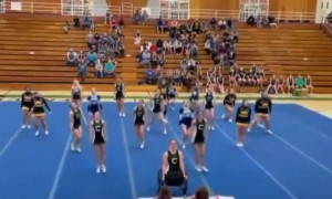 Cheerleader's last dance after losing both legs in car accident