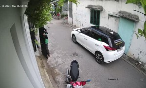 Lucky Rider Avoids Falling Gate