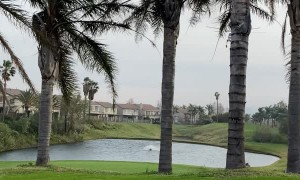 Skycrane Soaks up Water From Golf Course Lake