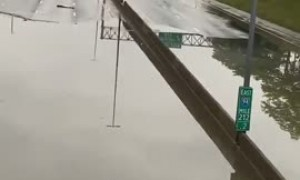 Apocalyptic scene in Detroit after extreme flooding
