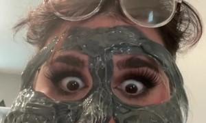 Face Wax Creates Face Wax Mask
