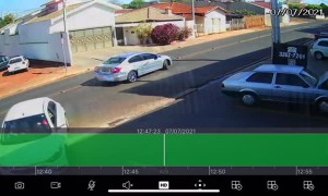 Synchronized Reversing Ends in Rear End Collision