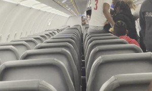 Fight Breaks Out In Plane Aisle