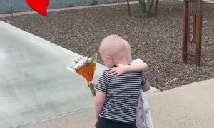 Friends reunite outside hospital after fighting cancer together