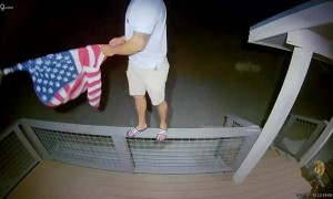Patriotic Guest Goes Above and Beyond to Untangle Flag