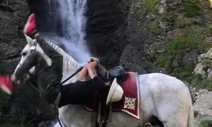 Mounting a Horse With Some Serious Style