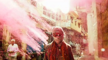 You Would Not Believe How Awesome Holi Looks In This Slow Motion HD Video.