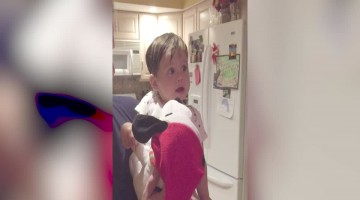 Baby\'s Amazed Reaction to Christmas toy will Melt your Heart!