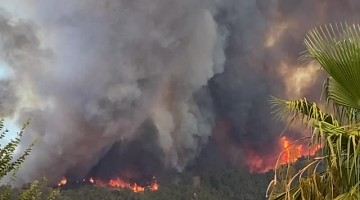 Fire Rages Towards Turkish City